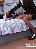 Sex-crazy mature babe going down route sixty-nine aching for hardcore fuck