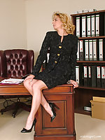 Vicky loves regarding wear her gorgeous high heels regarding impress her boss at work