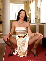 Regal and egyptian, well Cleopatra liked to put it back