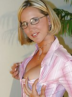 Your sexy middle-aged wife next door-members.com/  Desirae Hot ASS LONG Legs Wife