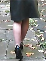 Blonde oudoors in heels and pantyhose